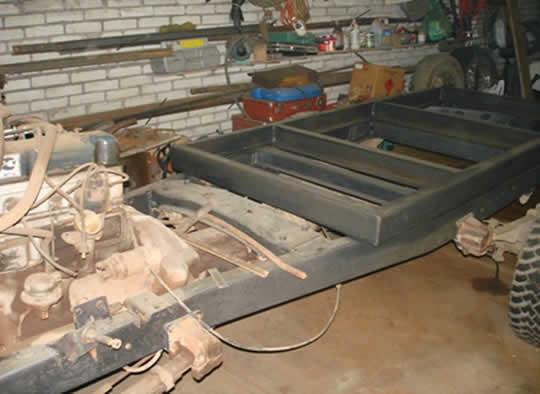 Лифт рессор от мостов 50мм. До кучи: генератор на 95Ач; на передний мост-дисковые тормоза; хабы; переделка переда рамы под усиленный бампер с площадкой под лебеду.